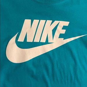 Nike Shirts - Men's Nike T-shirt